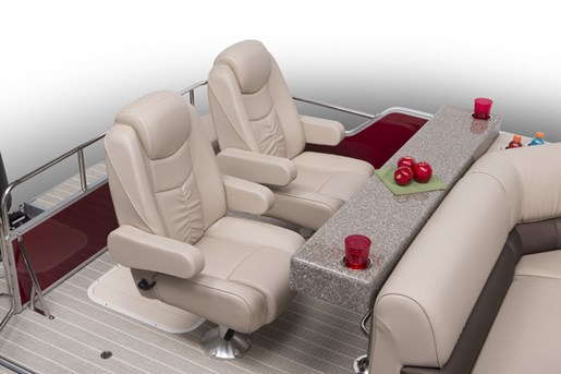 elite 326 se stern entertainment with helm chairs