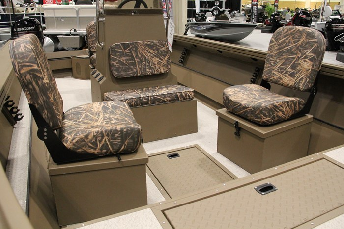smoker craft pro sportsman 2072 camo seats