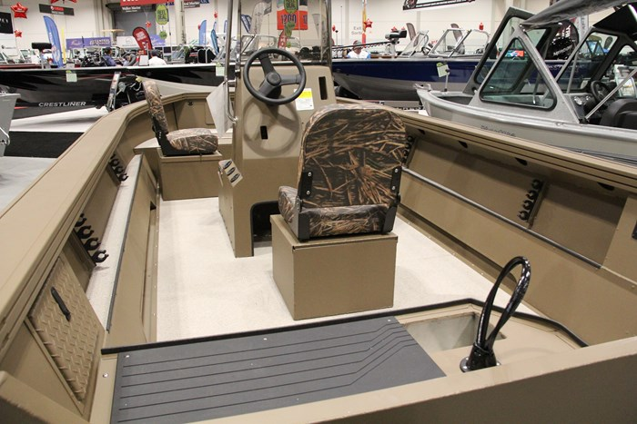 smoker craft pro sportsman 2072 stern