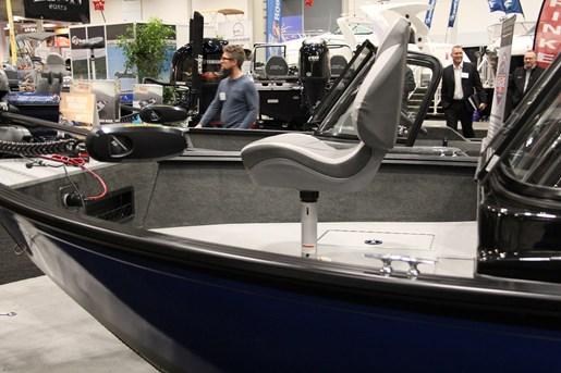 starcraft renegade 178 dc bow