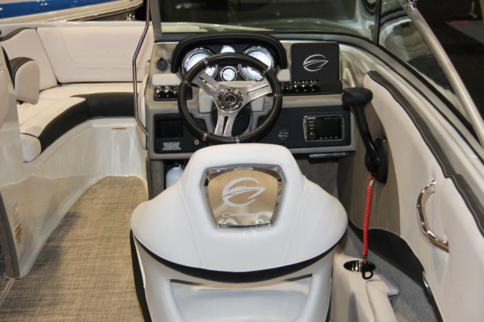 crownline 215 ss helm seat