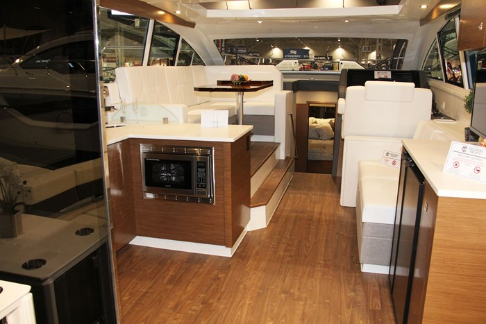 cruisers yachts 46 cantius galley