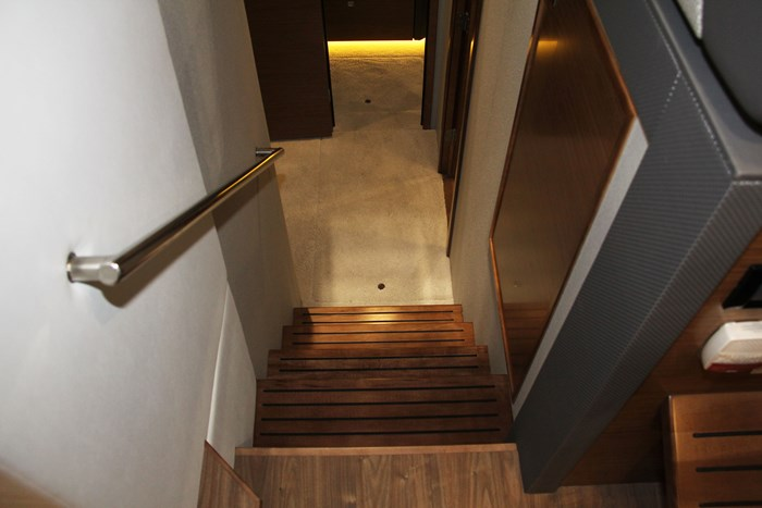 cruisers yachts 46 cantius stairs