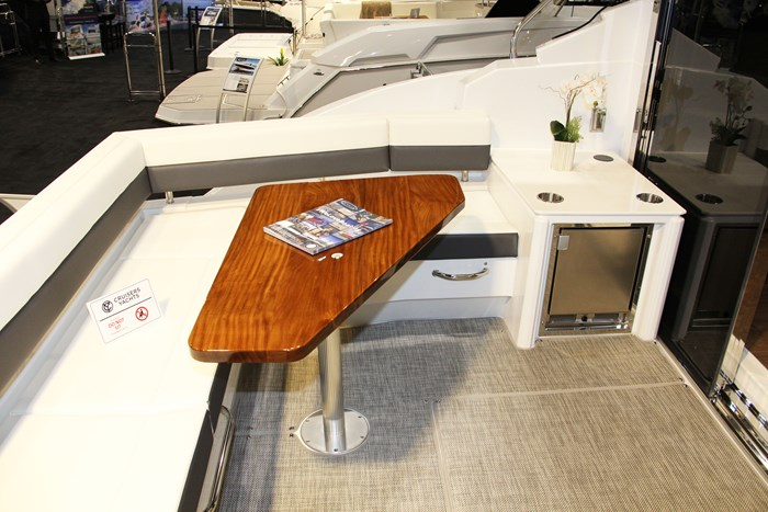 cruisers yachts 46 cantius stern table