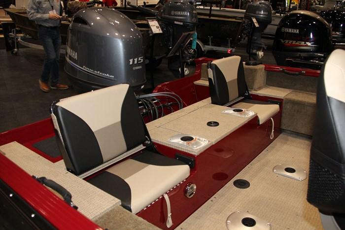 G3 angler v17 sf flip seats