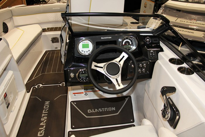 glastron gtdw 225 surf and fish helm