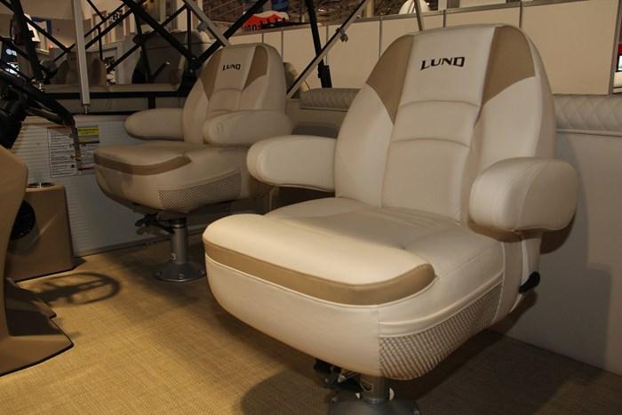 Lund zx 230 ds pontoon captain chair