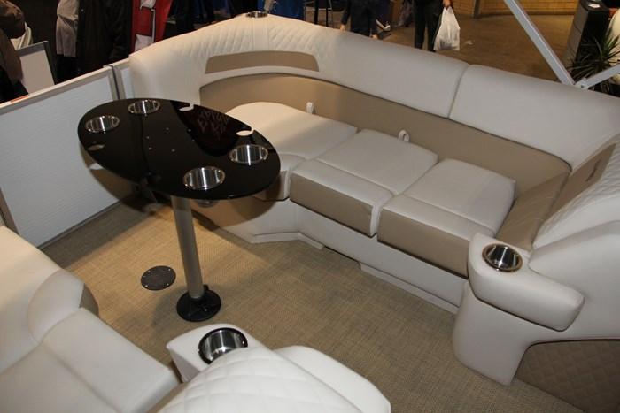 Lund zx 230 ds pontoon table