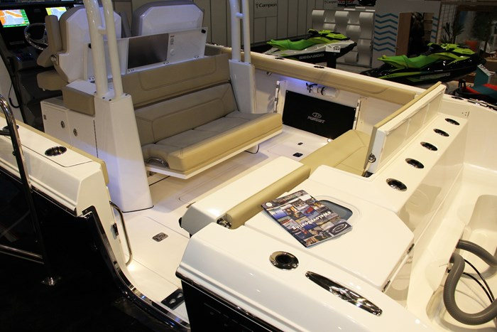 pursuit s328 sport stern