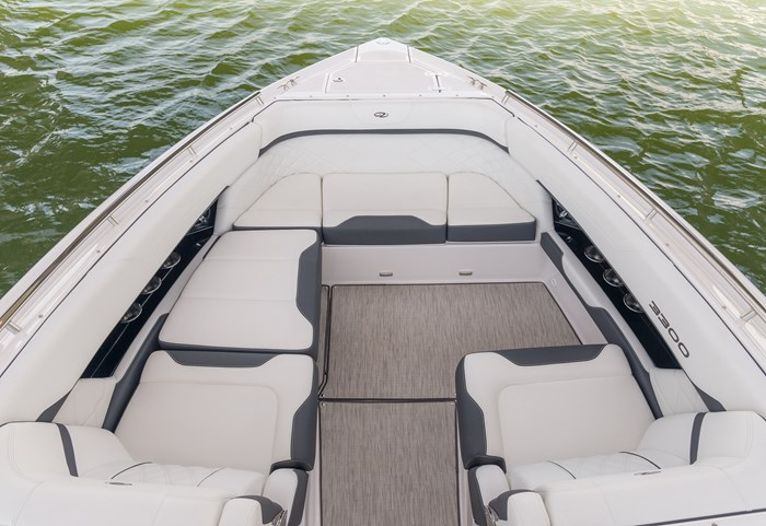 regal 3300 br bow