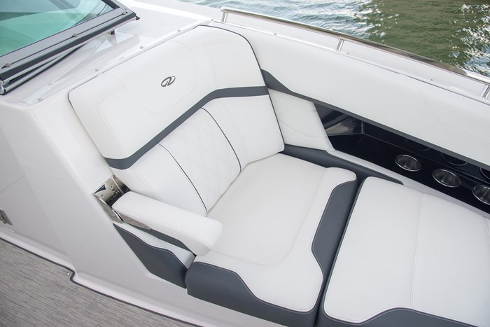 regal 3300 br seat
