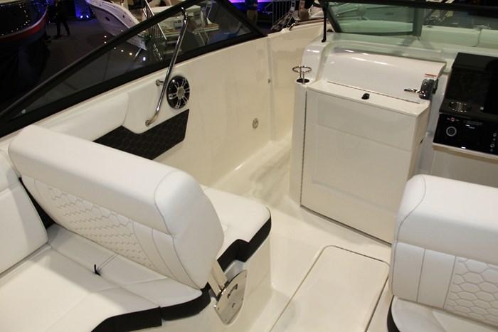 sea ray sdx 250 seat