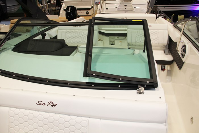 sea ray sdx 250 windshield