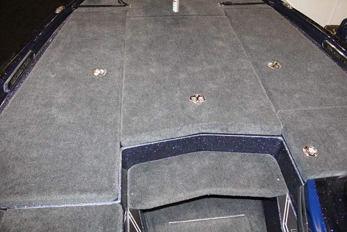 skeeter fx20 bass boat storage