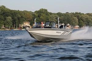 smoker craft 182 pro angler xl running waves