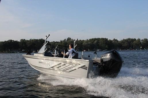 smoker craft 182 pro angler xl rear