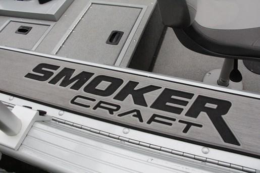 smoker craft 182 pro angler xl side