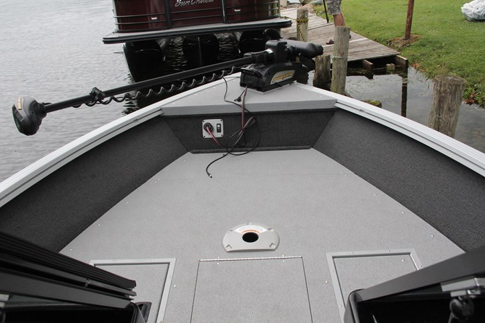 smoker craft 182 pro angler xl bow floor