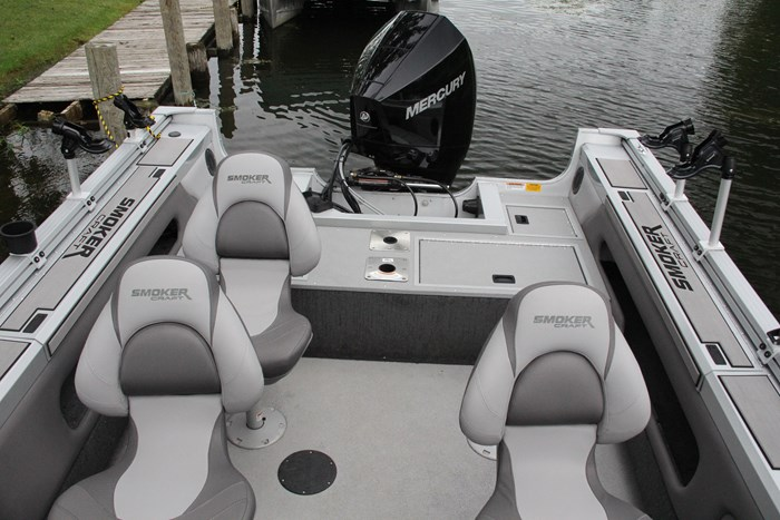 smoker craft 182 pro angler xl cockpit
