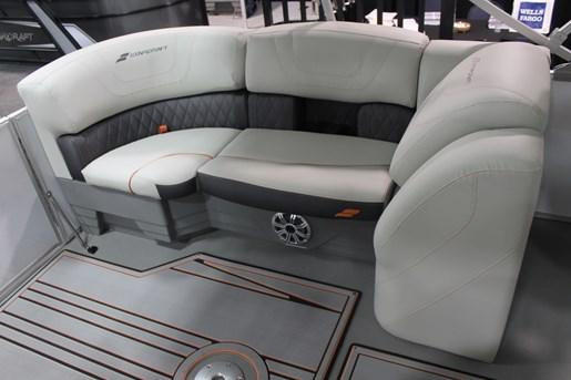 starcraft sls 5 seat corner