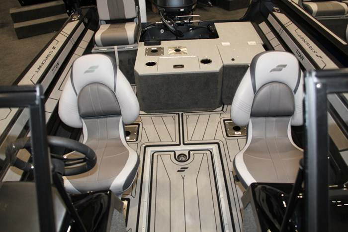starcraft titan 176 seats