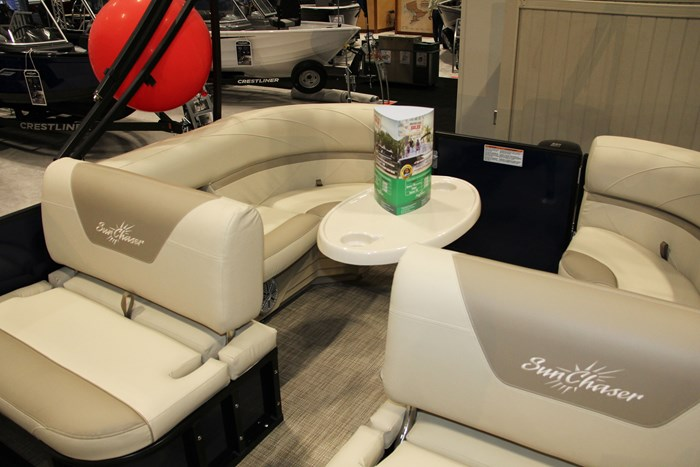 sunchaser geneva cruise 20 lr swing back table