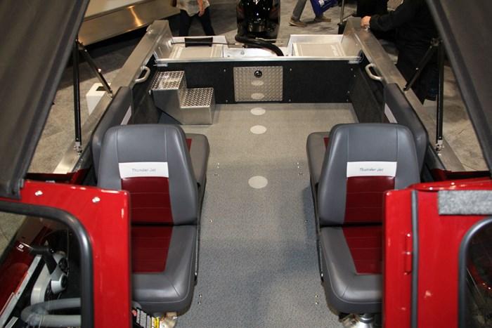 thunder jet 186 rush seats