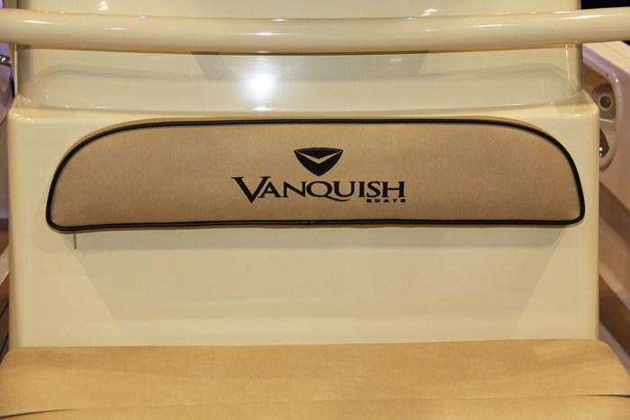 vanquish 26 center console