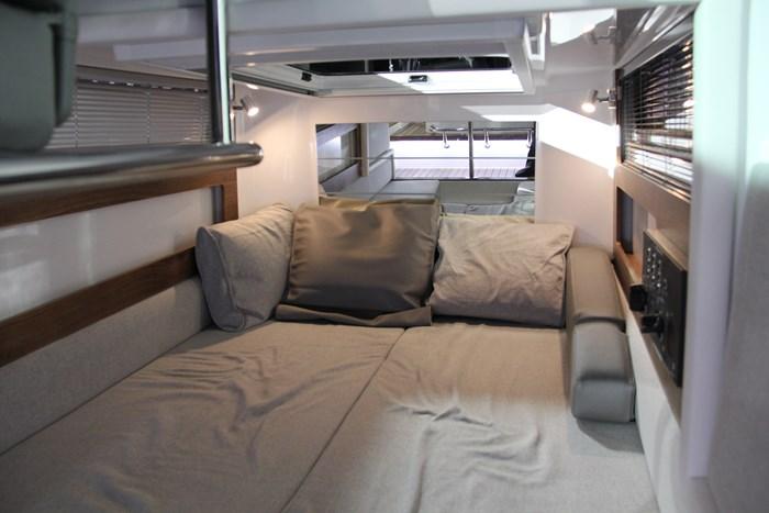 Axopar 28 cabin bed 1