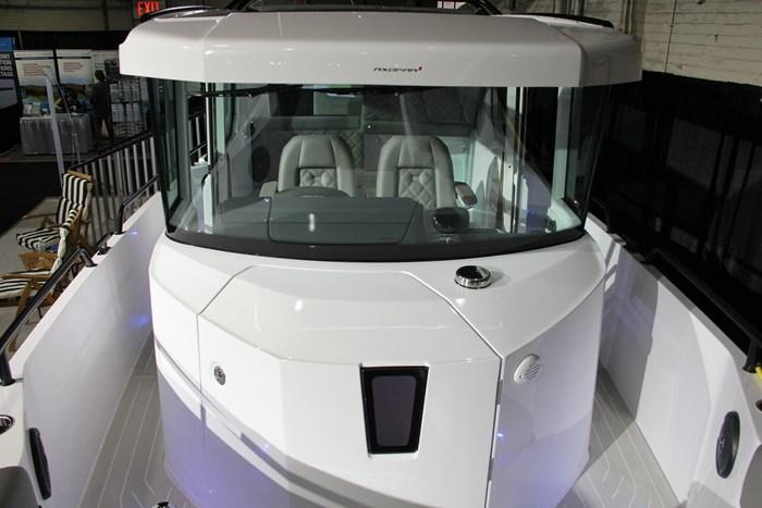 Axopar 28 cabin windshield