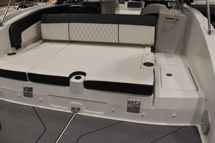 Bayliner DX2250 sun-pad