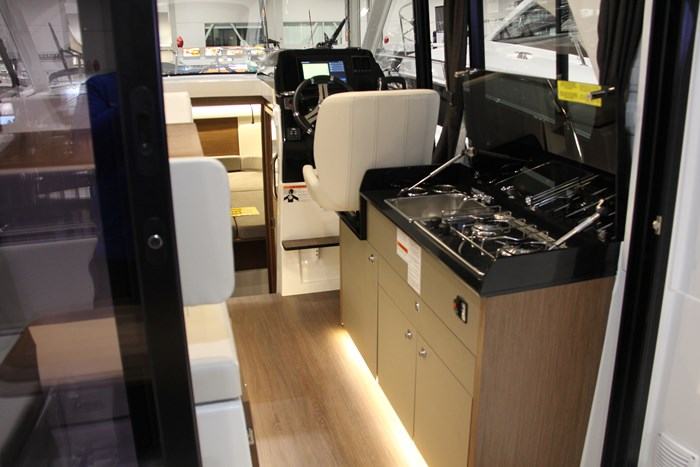 Beneteau antares 27 grill