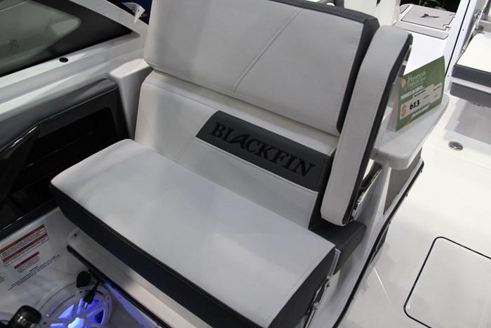 Blackfin 242 dc seat
