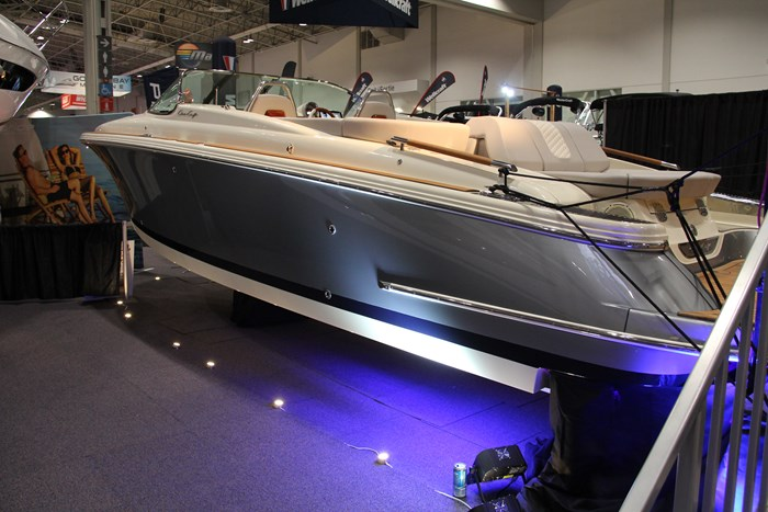 Chris-craft launch 28 GT side