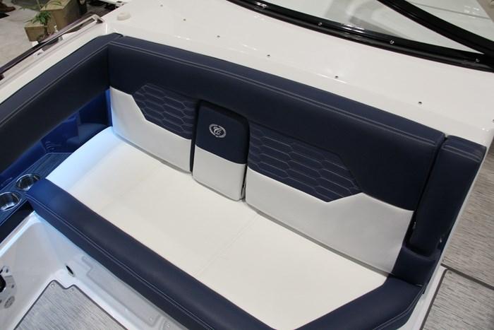 Cobalt A29 bow seat