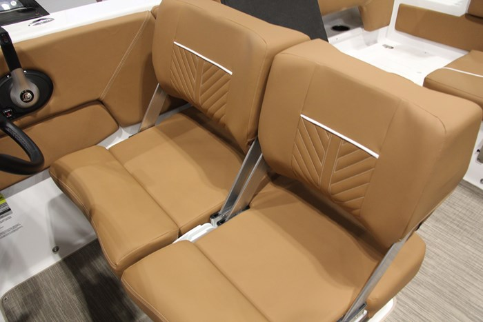 Glastron gtd 245 capt seat