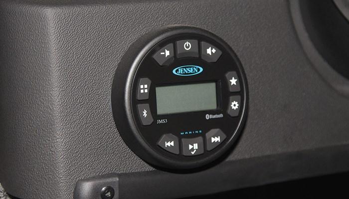 Lowe fm 1800 wt radio
