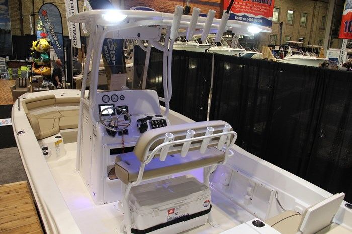 Nauticstar 231 hybrid cc hardtop