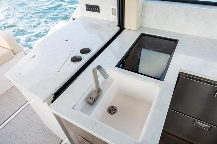 regal 38 grande coupe sink