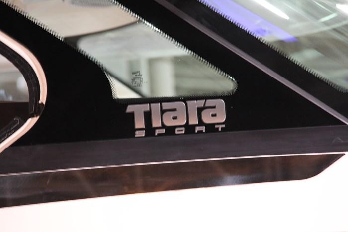 Tiara sport 38 ls brand