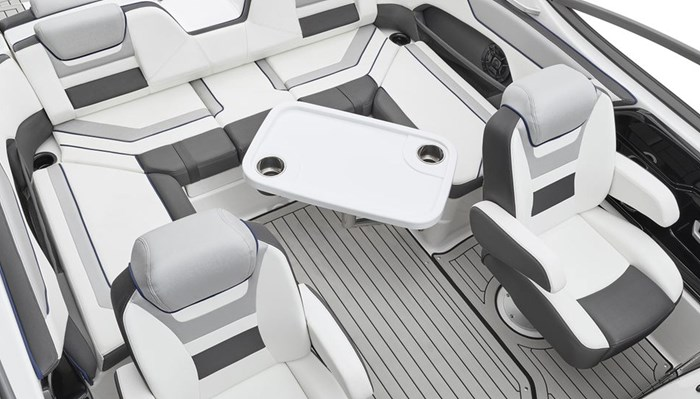 yamaha-boats-2020-212s-cockpit-seating