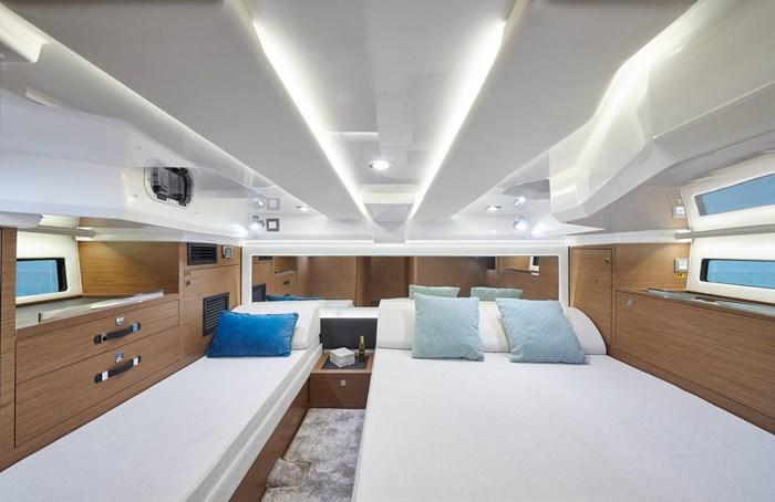 Jeanneau leader 12.5 beds