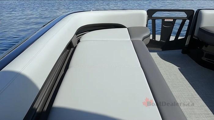 manitou-xt25-bow-seat