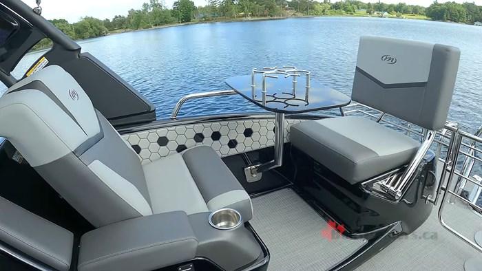 manitou-xt25-rear-seating