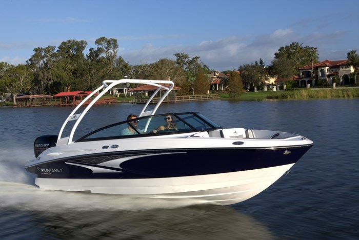 Monterey M 205 boat