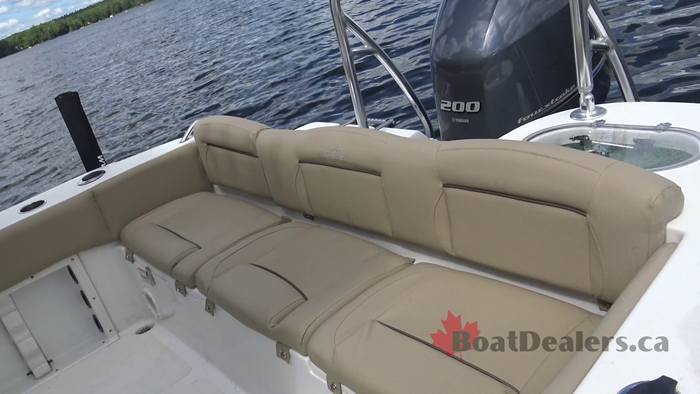 nauticstar-2302-legacy-rear-seating