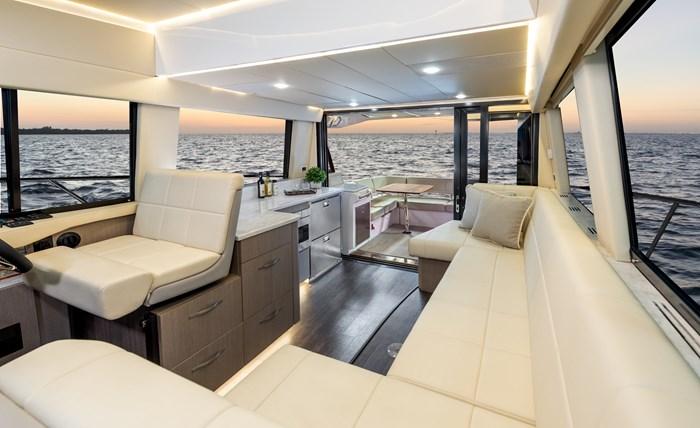42fly interior regal