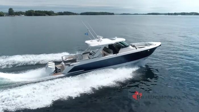 tiara-43ls-starboard