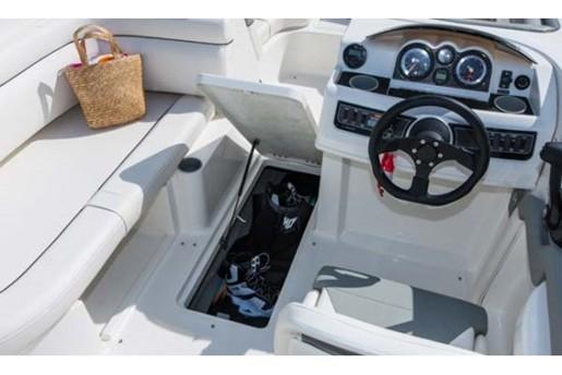 bayliner 190 deck boat storage