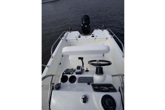 boston whaler 170 dauntless center console